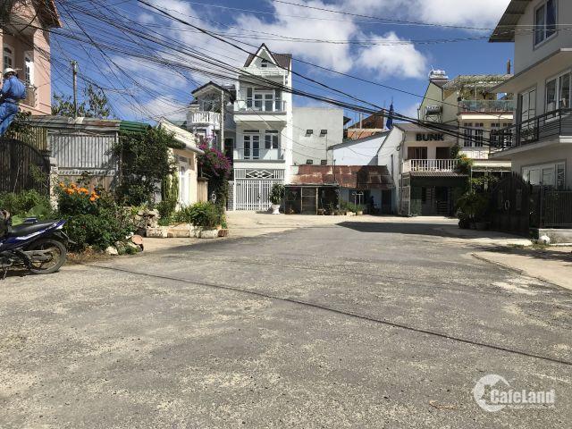 Bán nhà mới xây đường Yersin, P10, Đà Lạt