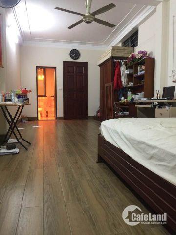 Chính chủ bán nhà phố Nguyễn Chí Thanh 70m 4 tầng mặt tiền 4,9m giá 6,4 tỷ