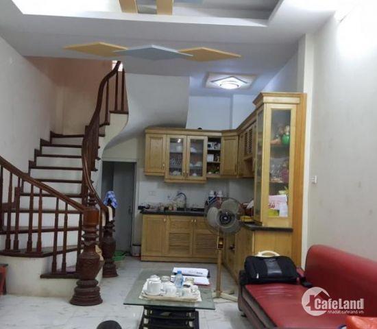 Bán nhà phố Khâm Thiên DT 38M, 3 Tầng ,MT 4M, Giá 2,7 Tỷ