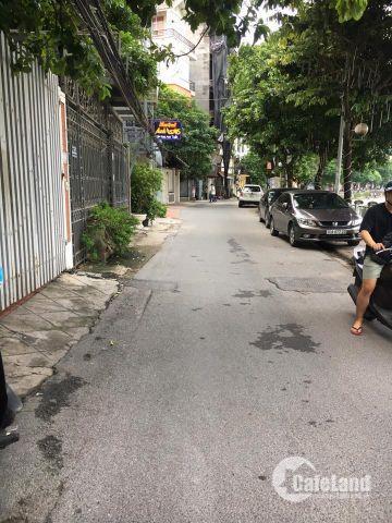 Bán nhà Tôn Thất Tùng ô tô đỗ cổng 39m giá 4 tỷ.