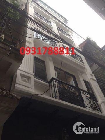 Bán gấp nhà đẹp mặt ngõ Thái Thịnh ô tô đỗ cửa, 40m2 x4T, giá 4,05 Tỷ
