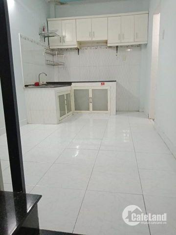 Cần bán nhà đẹp mới 1 trệt 1 lầu nằm trên đường TCH 21 ngay Bệnh viện 12