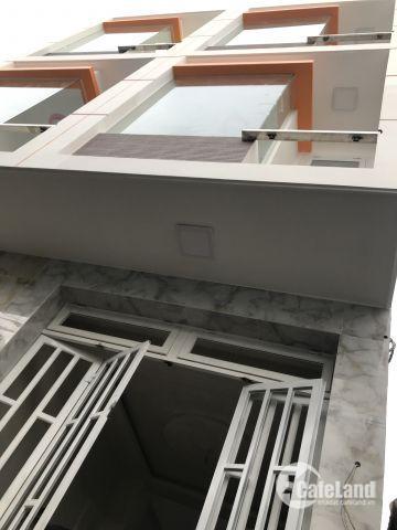 bán 4 căn nhà mới xây 2 lầu 1 trệt đường 138 hẻm 82 Q9