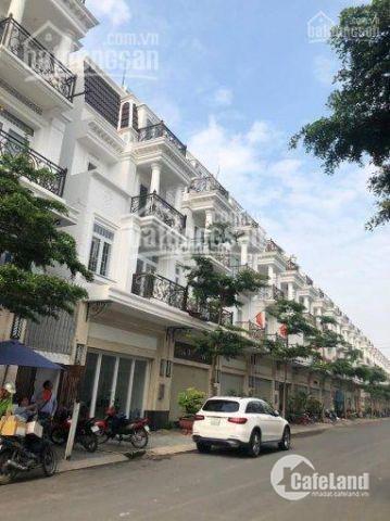Bán nhà phố liền kề,lần đầu tiên có tại Long An 1 trệt,1lửng, 1 lầu, chỉ 800tr  nhận nhà ngay