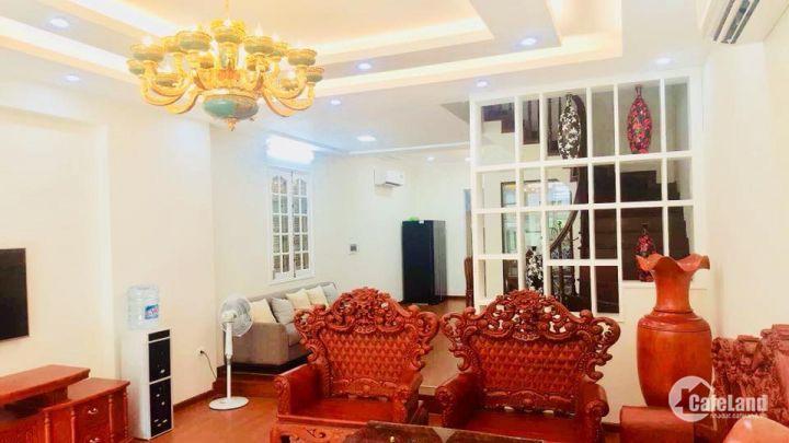 Nhà cực đẹp Lạc Long Quân 132m2, 5 tầng, mặt tiền 5.5m, kinh doanh, 16.5 tỷ.