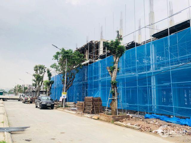 Cần bán gấp nhà liền kề shophouse gần mặt đường Nguyễn Xiển, Hà Nội.