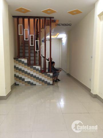Bán nhà phân lô phố Lê Trọng Tấn S30m2*5T, giá 3.95 tỷ, oto đỗ cửa.