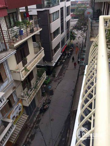 Bán nhà phố Giáp Nhất, lô góc, ô tô đỗ cửa, 32m*5 tầng. MT 4,15m, giá 3,65 tỷ.