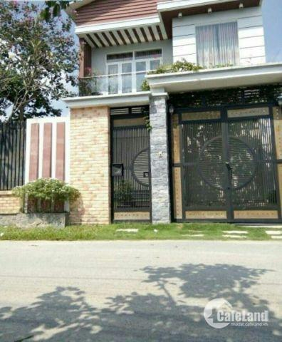 Định cư bán gấp biệt thự mini sân vườn, hồ cá koi, Nguyễn Thị Thử, Hóc Môn, 160m2, SHR
