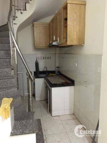 Cho thuê nhà ở, làm văn phòng 20m2 Đường Bưởi - Cầu Giấy