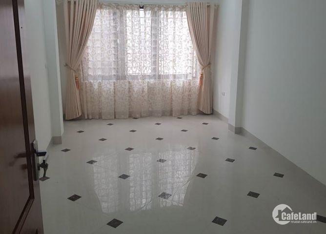 Cho thuê nhà Trần Quốc Hoàn 70m2x4 tầng 25tr/tháng