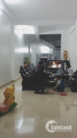 Cần cho thuê nhà ở Nguyễn Đức Thuận-Long Biên.