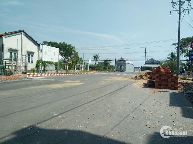 Bán đất ngay chợ, cạnh trường học, đã có sổ, LH: 0938 062 033