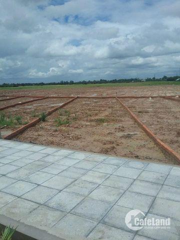 Bán lô đất 2 MT giá 850tr, có sổ TC 100%