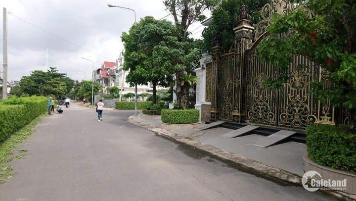 mặt tiền đường nhựa 12m trong KDC Phú Nhuận đầu đường Lê Thị Riêng