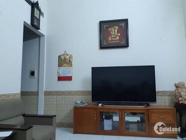 Tôi có nhà ở Văn Cao DT 41m2,MT 6m, lô góc 3 thoáng ngõ to 50m ra phố Văn Cao, 4.3 tỷ