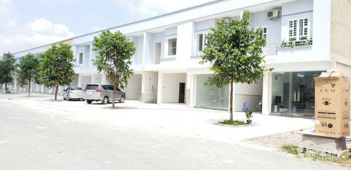 Bán 1Nhà Phố Kèm 4 Phòng trọ , trong Tiểu vương quốc Singapore BD , 150m2-900 SHR 100% , MT 36m