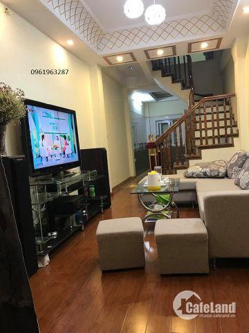 Chính chủ bán nhà phố Tôn Thất Tùng, Đống Đa  6 tầng 24m giá 2,05 tỷ