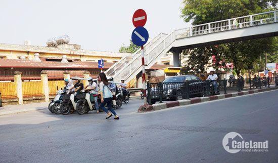 Cần bán gấp nhà riêng phố Chùa Bộc, diện tích 45m2, ô tô, kinh doanh tốt, giá 6.9 tỷ.
