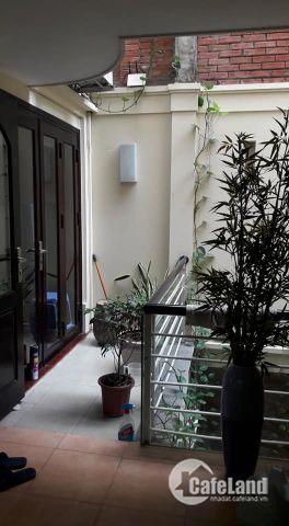 Bán căn nhà phố Nam Đồng, Q. Đống Đa. 95m2x5 tầng,18 tỷ. DÂN CHÍ CAO.0399947561.