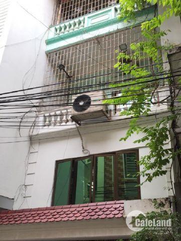 Mình cần bán nhà ngõ 152 phố Hào Nam 40 m2, 5 tầng, giá 3.9 tỷ . LH 0917329175.