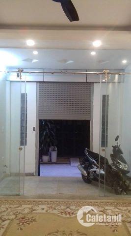 Nhà đẹp Hào Nam 40m2 có thang máy xịn, Gara chỉ 5.1 tỷ