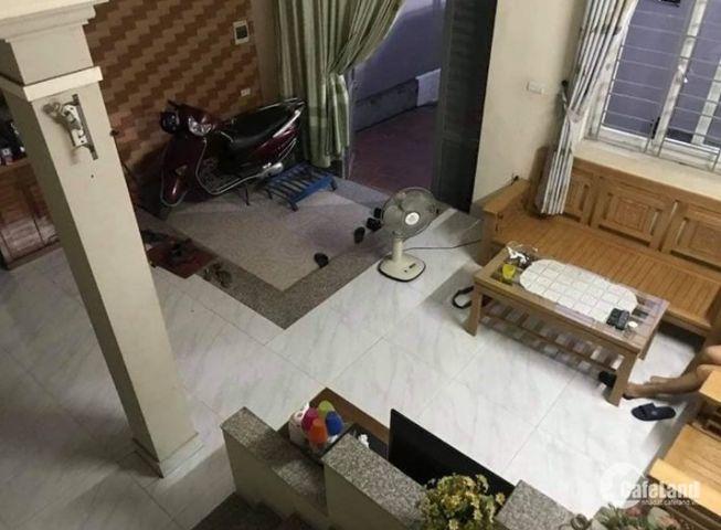Bán nhà lô góc phố Vĩnh Hồ, ô tô đỗ cữa, diện tích 47mx5 tầng giá 4.5 tỷ.