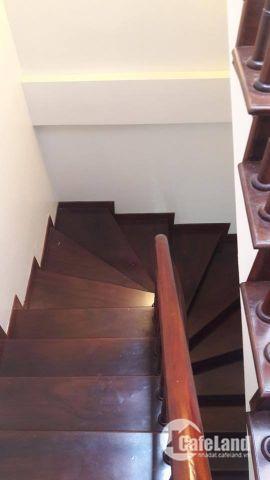 Bán nhà đẹp phố Hoàng Cầu 40m2 xây 5 tầng, MT 5m, cách ô tô tránh 20m. Giá: 3.75 Tỷ.