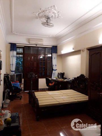 Hai vợ chồng già muốn bán nhà gấp Bạch Đằng 6 phòng ngủ vì không có nhu cầu sử dụng hết.