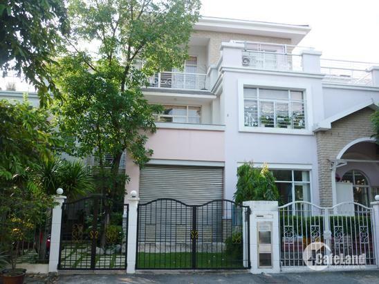 Bán lại căn Biệt Thự Huyện Hóc Môn 100m², 2.4tỷ có thương lượng. Liên hệ: 0384422082