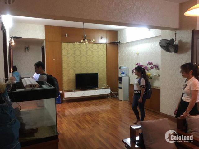 Căn hộ chung cư Việt Hưng long biên 3 PN đủ đồ 7tr/tháng LH: 0329371811