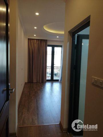 Bán nhà 5 tầng phố Trạm, Long Biên chỉ 2,45 tỷ.