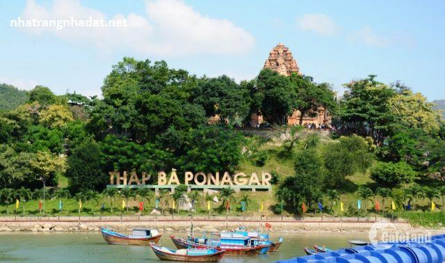 Bán căn hộ góc chung cư VCN Phước Hải Cao Bá Quát Nha Trang giá rẻ