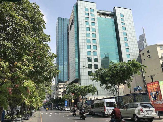 Mặt tiền đường Nguyễn Trãi đối diện ZENPLAZA (4x20m) 4 tầng cho thuê 139.65 triệu/tháng