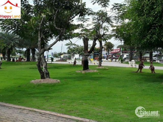 Chính chủ bán căn hộ A-8-12 Centana Thủ Thiêm 61m2 giá 2,35 tỷ có VAT view hồ bơi
