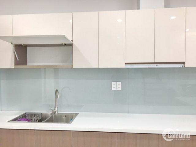 Nhà đẹp lung linh tặng toàn bộ nội thất đường số Bình Thuận Quận 7. Giá 8.2 tỷ (TL)