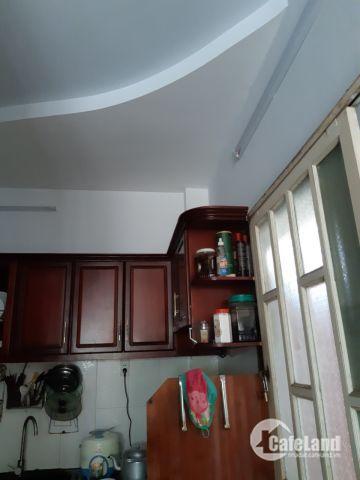Nhà 2 lầu, 135.3m2 dt sàn gần ngay ngã ba mặt 144, Q9