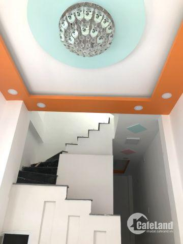 Bán nhà mới 1 trệt 2 lầu, sàn 90m2 đường 138 Q9