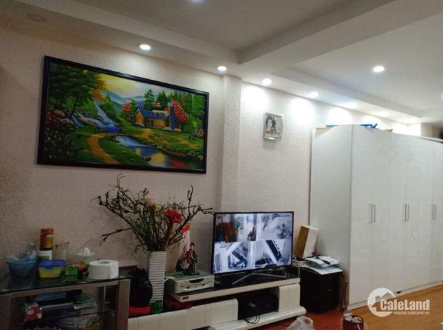 Nhà bán 5 tầng Mặt tiền Huỳnh Văn Bánh, Phú Nhuận, thu nhập tiền tỷ!!!