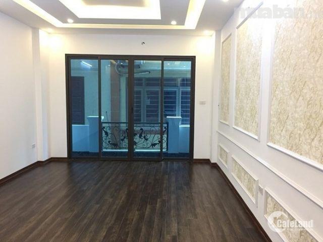 Nhà đẹp ngõ phố Yên Phụ, 15m ra mặt Hồ Tây, 43m2 x 5 tầng, MT 6m. Thiết kế hiện đại, nội thất gỗ lim.