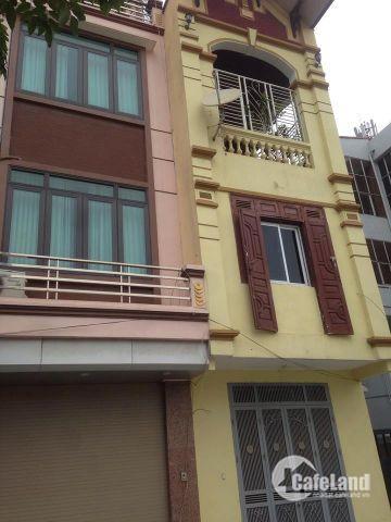 Bán nhà Phạm Văn Đồng,Từ Liêm 61m*4ty35,oto đỗ cửa,kdoanh,cách MP 10m.