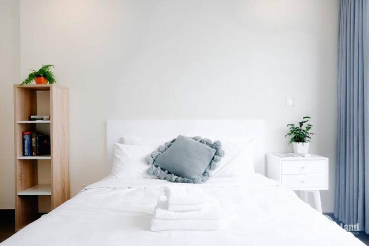 Cực hiếm!! Căn hộ 2 phòng ngủ giá chỉ 19tr đã đầy đủ nội thất, layout đẹp tầng cao. LH: 0931467772