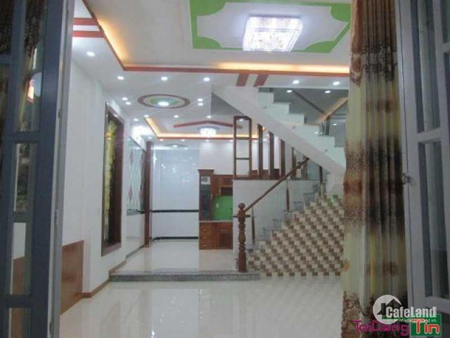 Cho thuê gấp nhà mặt phố Chùa Láng, diện tích 50m2 * 5 tầng, MT 6m. Lh 0934587823.