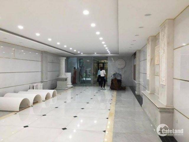 Cho Thuê văn phòng 160m2 tại tòa building mặt phố Nguyễn Trãi, ngã 4 sở.