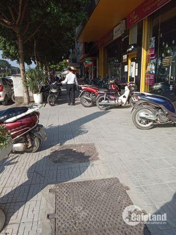 Bán nhà mặt phố Văn Cao, Ba Đình, 3 mặt tiền.