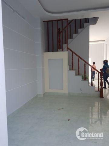 Bán nhà ngay KDC Tân Kim, mặt tiền QL50 xây dựng hoàn thiện- dọn vào ở ngay