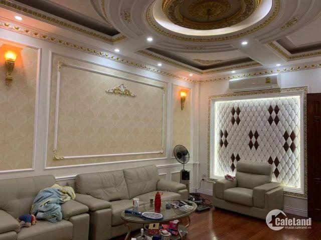 Bán nhà Phạm Ngọc Thạch 65m 4 tầng, giá 5,6 tỷ.