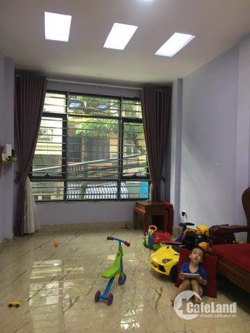 Lô góc-Nhà mặt ngõ Hào Nam 30m2x 4 tầng 3.3 tỷ