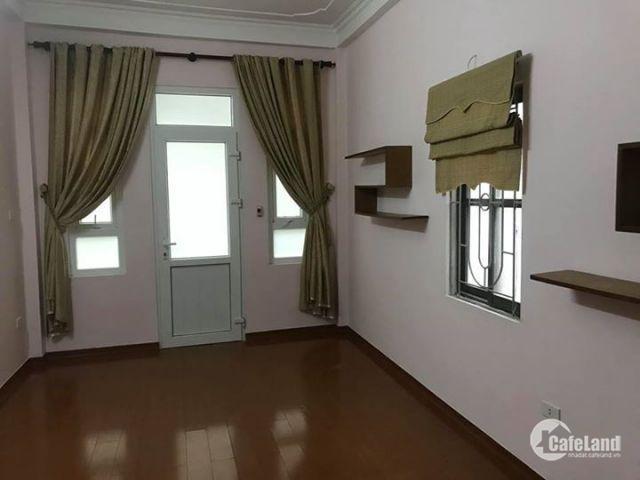 Nhà chính chủ phố Nguyễn Cao chỉ 2,8 tỷ, dt 29m x3 tầng.