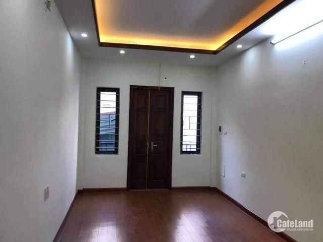 NGÕ RỘNG- NHÀ ĐẸP Ở NGAY - Bán nhà Trương Định, Hoàng Mai 31m2, 5 tầng, giá 2.8 tỷ .